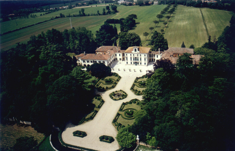 Villa-Tiepolo-Passi-Aerea_low